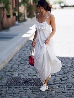Bo Mulder - White Dreamy Dress - Summer 2016 Sea of Bees NYC New York photo by Marinke Davelaar Cozy Fashion, Minimal Fashion, Street Style Outfits, Cool Outfits, Spring Summer Fashion, Spring Outfits, Moda Minimal, Dress With Sneakers, Facon