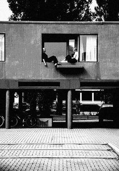 The orphanage that Aldo Van Eyck built Architecture Details, Modern Architecture, Aldo Van Eyck, Amsterdam, Facade Design, Boat Building, Brutalist, Play Houses, Midcentury Modern