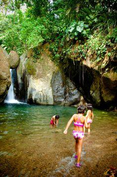 Pavona Waterfall (or the waterfall of the stuck rock), near Ojochal, Costa Rica. n#costarica #waterfall #ojochal #travel #tropicalparadise