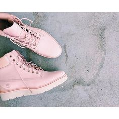 Shop Timberland for Kenniston women's boots: These sneaker boots mix athletic styling with undeniable class. Wedge Shoes, Shoes Heels, Pumps, Cute Shoes, Me Too Shoes, Sneakers Fashion, Fashion Shoes, Fashion Outfits, Timberland Waterproof Boots