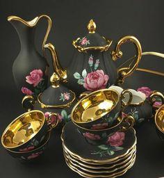 Sada na čaj * černý zlacený porcelán s malovanými růžovými růžemi ♥