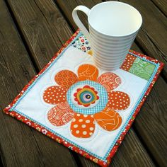 mug rug--applique flower with patchwork Table Runner And Placemats, Quilted Table Runners, Mug Rug Patterns, Quilt Patterns, Canvas Patterns, Small Quilts, Mini Quilts, Baby Quilts, Quilting Projects