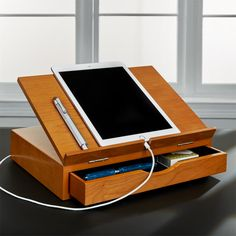 Cubi Storage Stand: Versatile book and tablet stand, plus a drawer - Diy Woodworking Videos, Woodworking Projects Plans, Woodworking Classes, Woodworking Bench, Woodworking Shop, Design Sites, Belt Display, Book Stands, Desk Storage