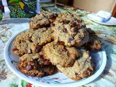 SPLENDID LOW-CARBING BY JENNIFER ELOFF: CHUNKY CHOCOLATE CHIP COOKIES AND CHUNKY CHIPPERS