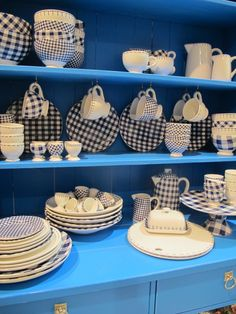 Wonderful Gingham Dishes in a Blue Dresser. & Dishing Up Hot New Looks for Summer Tabletops | Table settings ...