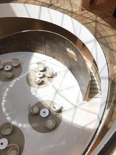 Delta Galil Headquarters Design Hotel, Salon Design, Commercial Interior Design, Commercial Interiors, Wooden Hammock Stand, Curve Design, Floor Colors, Space Architecture, Arquitetura