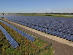 A waste treatment plant in Waterbeach, UK, is now being powered mostly with solar energy. Lightsource Renewable Energy Limited and Solarcentury have jointly developed the photovoltaic (PV) 5MW project that will provide 70 percent of AmeyCespa's Mechanical Biological Treatment plant in the small village in the region of Cambridgeshire.