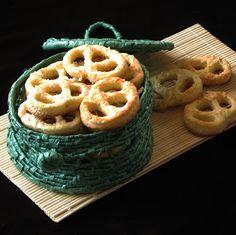 caiet cu retete: Covrigei Different Recipes, Ricotta, Nutella, Catering, Waffles, Recipies, Pizza, Sweets, Bread