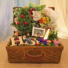 . . (アップし直し) . 結婚式頑張ったシリーズ . . #ウェルカムトランク #白雪姫風 #結婚式 Wedding Motiff, Ring Holder Wedding, Just Married, Miniatures, Basket, Gift Wrapping, Display, Party, Instagram Posts