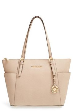 Michael Kors Handbag Tote - Every girls in this world needs to look  tasteful, stylish, pretty and hip.