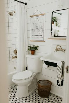 Bathroom renovation, modern vintage bathroom, farm sink, black white brass, ship… - Home Professional Decoration Bad Inspiration, Bathroom Inspiration, Interior Inspiration, Interior Ideas, Home Interior, Bathroom Interior, Interior Design, Interior Modern, Interior Paint