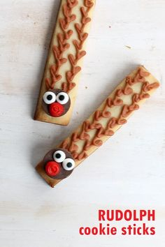 Rudolph cookie sticks are a simple, easy decorated Christmas cookie. Step-by-step cookie decorating instructions are included. Christmas Desserts Easy, Christmas Sprinkles, Christmas Snacks, Christmas Cupcakes, Christmas Goodies, Christmas Candy, Simple Christmas, Christmas Crafts, Christmas 2019