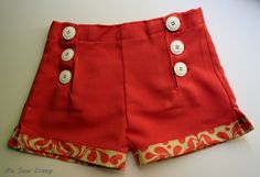 Sailor shorts - LOVE the buttons, the contrasting cuffs and the free tutorial!