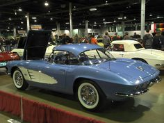 CorvetteBlogger  Here's a gorgeous 61 ready for Triple Diamond judging.