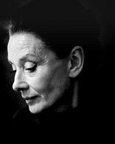 Beauty. Audrey Hepburn by Vincent Mentzel #culturainquieta