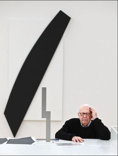Ellsworth Kelly with Study for Barnes Totem