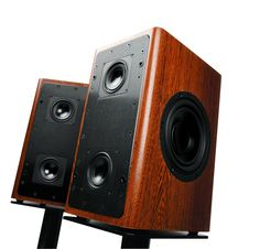 """Audience's """"ClairAudient 2+2"""" loudspeaker.  using 4 full range drivers in a dipole array - 40Hz to 20kHz giving all but the lowest octave - and no crossover so the sound should be very coherent."""