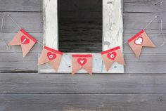 felt and burlap banner for Valentines