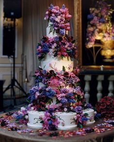 By cake designer Sylvia Weinstock. All of the flowers are made from sugar - they are amazing! a work of art #weddingcake #cakes #sweet #desserts #weddingideas #weddinginspirations