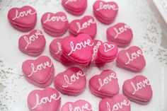 Valentine macarons- great tutorial!