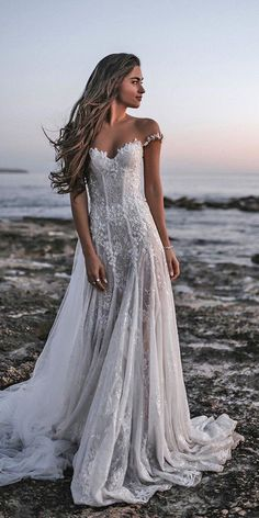 Modest Wedding Dresses Bohemian 51 Best Beach Wedding Dresses For Seaside Ceremony beach wedding dresses a line off the shoulder country tali photography Simple Sexy Wedding Dresses, Country Wedding Dresses, Modest Wedding Dresses, Boho Wedding Dress, Bridal Dresses, Lace Dresses, Wedding Country, Colored Wedding Dresses, Hawaii Wedding Dresses