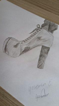 Karakalem ayakkabı