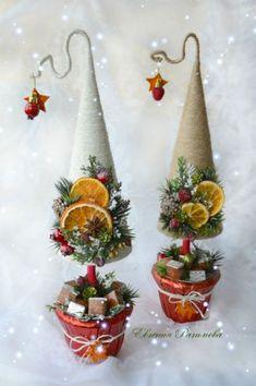 vianočné stromčeky / christmas tree hand made by wedding d Christmas Tree Crafts, Christmas Makes, Felt Christmas, Christmas Projects, Handmade Christmas, Holiday Crafts, Christmas Holidays, Christmas Wreaths, Christmas Ornaments