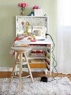 costurero. Paso a apasione mueble de ordenador a mueble de costura . Ideal para espacios pequeños.