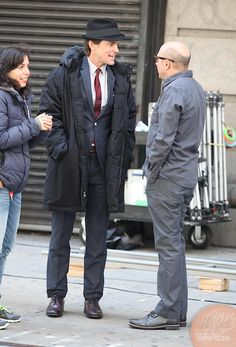 Picture 6333 « Matt bomer and Willie Garson on the set of white collar (Neal and Mozzie) | Fan-Girl.Org