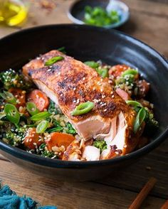 Mediterranean Salmon in Parchment Paper - The Roasted Root Salmon And Sweet Potato, Sweet Potato Waffles, Roasted Vegetables, Steaks, Parmesan, Red Curry Sauce, Vegetarian Ramen, Mediterranean Salmon, Recipes