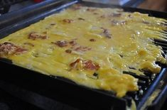 Make Quick, Easy Filled Omelettes in a Panini Press Cooking 101, Cooking Recipes, Cooking Ideas, How To Make Omelette, Panini Press, Buzzfeed Food, Buzzfeed Recipes, Food Hacks, Food Tips