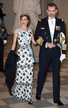 Queen Letizia of Spain in a black-and-white tiered dress