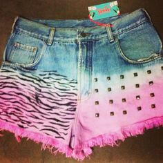 Shorts jeans / estampa animal / rebites
