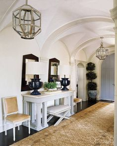 "Foyer, love ceiling, lights, accessories, rug / Steven Gambrel "" A Tudor Reborn"" Home Design, Design Entrée, Design Ideas, Tudor House, Tudor Cottage, Cottage Living, Home Interior, Interior And Exterior, Interior Design"