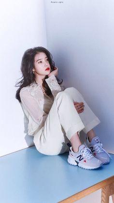 IU 😘😘😘😘😘💋❤️❤️❤️ Korean Girl, Asian Girl, Cute Korean, Iu Fashion, Korean Fashion, Fashion Trends, Kpop Girls, Kpop Girl Groups, Korean Actresses