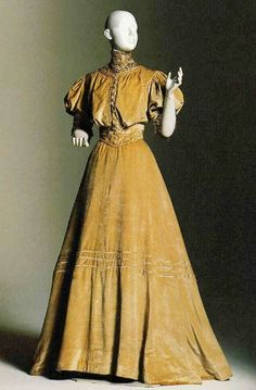 Doucet Day Dress ca. 1903, French. Grain, Solids lace, silk panne velvet, antiqued lace.  ©Beverley Birks-Beverley Birks Collection