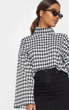 The Mono Dogtooth Print Roll Neck Oversized Sweater. Head online and shop this season's range of tops at PrettyLittleThing. Denim Mini Skirt, Mini Skirts, Sweater Dress Outfit, Hijab Outfit, Beautiful Blouses, Roll Neck, S Models, Sweater Fashion, Black Denim