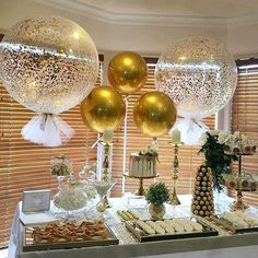 Black Gold Party Thank you to the of this gorgeous pic of our signature giant confetti and tassle balloons and round gold orbs balloons - 70th Birthday Parties, 50th Party, Mom Birthday, Anniversary Parties, Gold Birthday Party, 60th Birthday Balloons, 50th Birthday Themes, 50th Wedding Anniversary Party Ideas, 50th Birthday Party Decorations