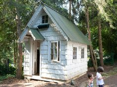 Low-Cost, High-Impact Ways to Dress Up a Playhouse : Outdoors : Home & Garden Television