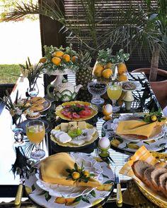 """İlknur Şenel on Instagram: """"Günaydınlar bahar geldiyse 🍃🌼🍃keyifli güzel bir gün olsun hepimiz için harika suplalarım @ccpanno 🍃🌼🍃#kahvaltı #kahvaltısunumu…"""" #easter #tableescapes"""