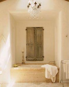 Natural tones built-in bathtub! Vintage Bathrooms, Dream Bathrooms, Tuscan Wall Decor, Built In Bathtub, Outdoor Bathtub, Peaceful Bedroom, Tuscan Style Homes, Bathroom Colors, Bathroom Ideas