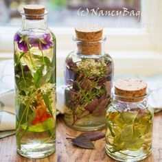 Healthful, G-F, fat-free Gifts from the Garden and Kitchen—Fresh Herb Vinegars
