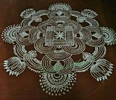 Rangoli Patterns, Rangoli Ideas, Rangoli Designs Diwali, Kolam Rangoli, Flower Rangoli, Simple Rangoli, Free Hand Rangoli Design, Small Rangoli Design, Rangoli Designs With Dots