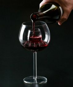Chevalier Collection makes an aerating wine glass that aerates wine to blossom without adding any extra steps or mess to the process. #Objetsdwine