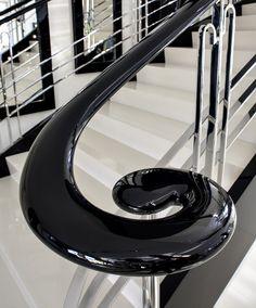 www.trabczynski.com Trąbczyński schody klasyczne gięte ST655 / Trabczynski Classical Curved Stairs ST655 #schodyklasyczne #curvedstairs #stairs #classicalstairs #schody