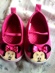 Ahh!! Minnie Mouse Shoes =) Perfect for my baby girl!!<3