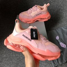 Balenciaga for Sale in Newark, NJ - OfferUp, Trendy Shoes, Casual Shoes, Sneakers Fashion, Fashion Shoes, Nike Fashion, Fashion Goth, Balenciaga Sneakers, Cute Sneakers, Aesthetic Shoes