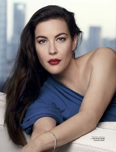 Actress Liv Tyler looks perfectly ladylike on the December 2017 cover of ELLE Singapore. Photographed by Mark Law, the brunette beauty wears a lace blouse from… Steven Tyler, Most Beautiful Hollywood Actress, Beautiful Actresses, Liv Tyler Hair, Hollywood Actresses, Actors & Actresses, Charlize Theron Hair, Bebe Buell, Beauty