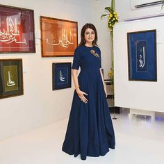 The uber talented Jalpa Vithalani looking radiant in a Khadijeh.♥ Here showcasing the beauty of calligraphy by a wonderful Iranian artist called Kaveh Afraie. Catch a glimpse of the work at Cosmic Heart Gallery, Marine lines, Mumbai. #khadijeh #clothing #art #artmeetsfashion #artlovers #curator #jalpavithalani #celebritystyle #fashion #couture #indianfashion #Iranian #artists #calligraphy #arabic #persian #farsi #indian #artbeyondborders #instaglam #instafashion #ootd #india #mumbai #social…