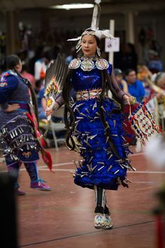 Pow Wow Time-Out University of North Dakota Indian Association - Grand Forks, ND Native American Children, Native American Pictures, Native American Regalia, Native American Quotes, Native American Beauty, Native American Artists, Jingle Dress Dancer, Powwow Regalia, Native Style